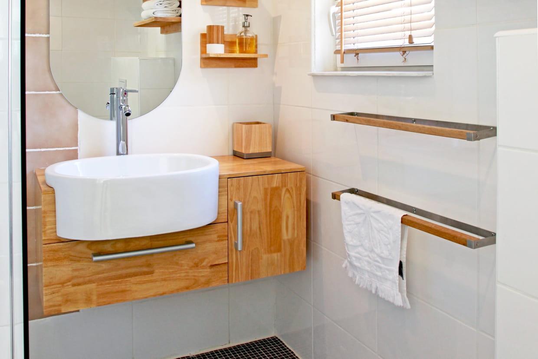 Meuble Haut Salle De Bain Avec Miroir quelle hauteur pour un meuble de salle de bain ?