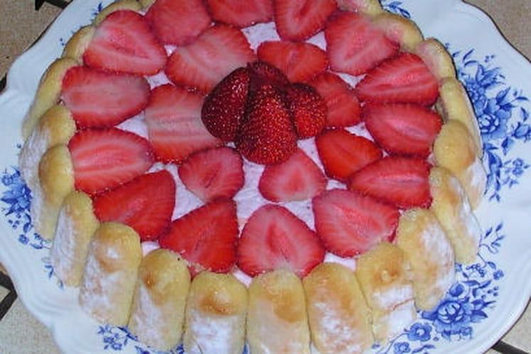 Charlotte aux fraises rapide