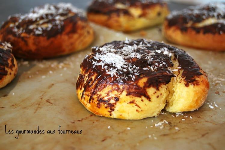 Brioche escargot à la noix de coco et au chocolat
