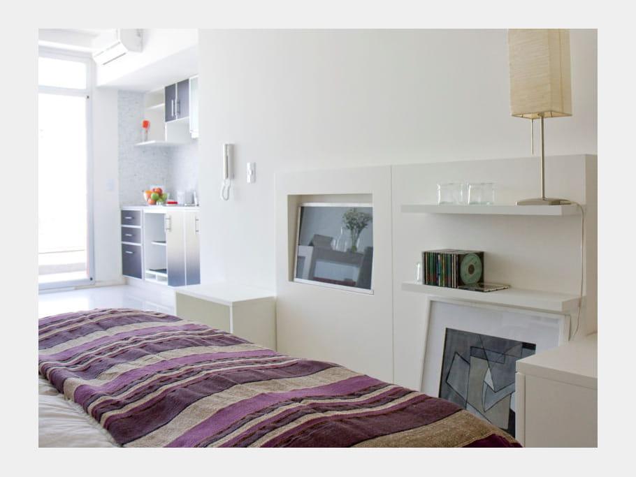 couvre lit violet les couleurs mauve et parme en d co. Black Bedroom Furniture Sets. Home Design Ideas