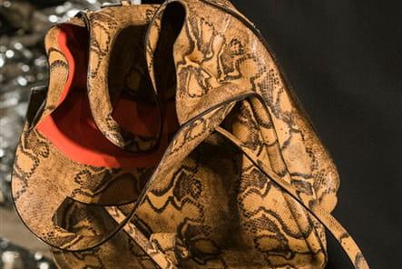 Givenchy (Close Up) - photo 46
