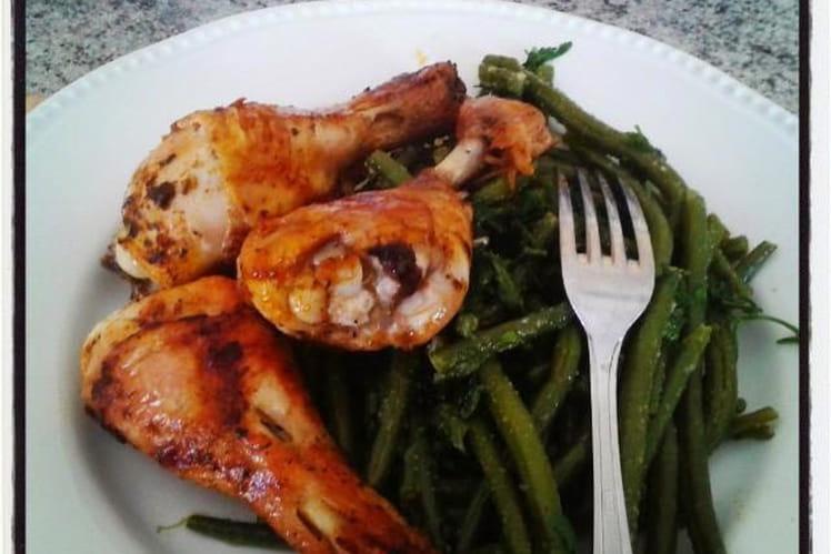 Poulet grillé sauce sakari et haricots verts à l'ail et au persil