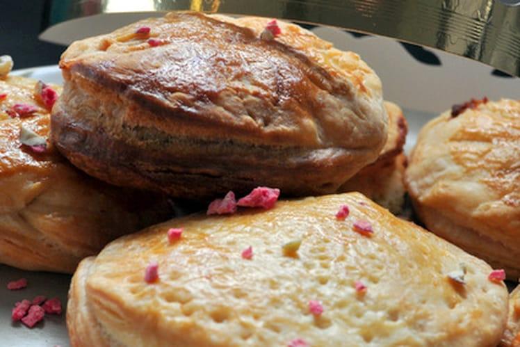 Galette frangipane, chocolat blanc, pralin rose