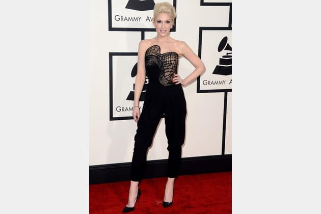 Gwen Stefani en combinaison noire Atelier Versace