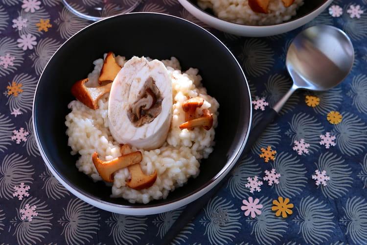 Suprême de filet de poulet de Bresse farci, risotto aux girolles