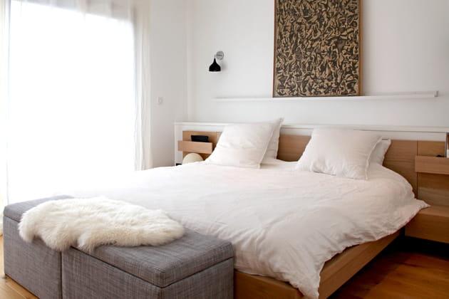 Tête de lit en bois avec rangements