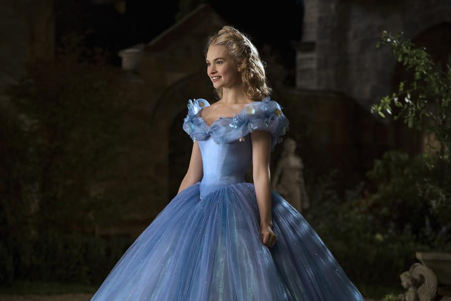 Pourquoi les petites filles aiment tant ressembler à des princesses ?