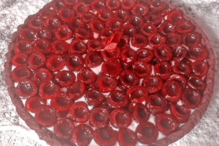Tarte amandine aux cerises et chocolat