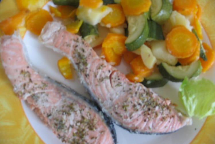 Saumon vapeur et ses petits légumes