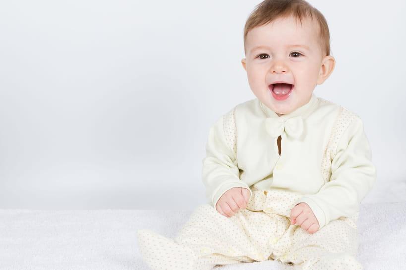 Le Bébé De 7 Mois