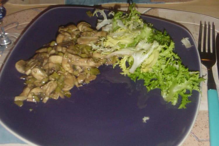 Champignons crus en salade