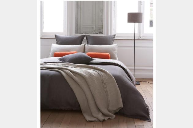 Parure de lit en lin par Lina Forlino