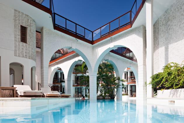 Les arches de l'hôtel Saint-Alexis