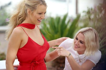 Kristen Stewart et Blake Lively, tout sourire