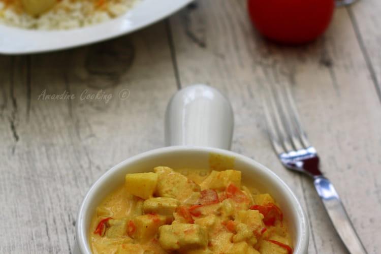Poulet au curry, lait de coco et pommes