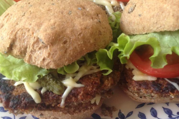 Burger végétarien au quinoa et pois chiches