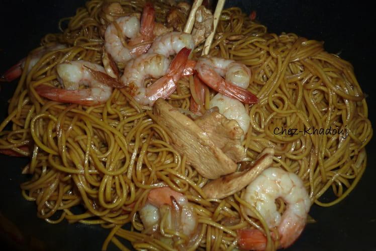 Nouilles au poulet et aux crevettes