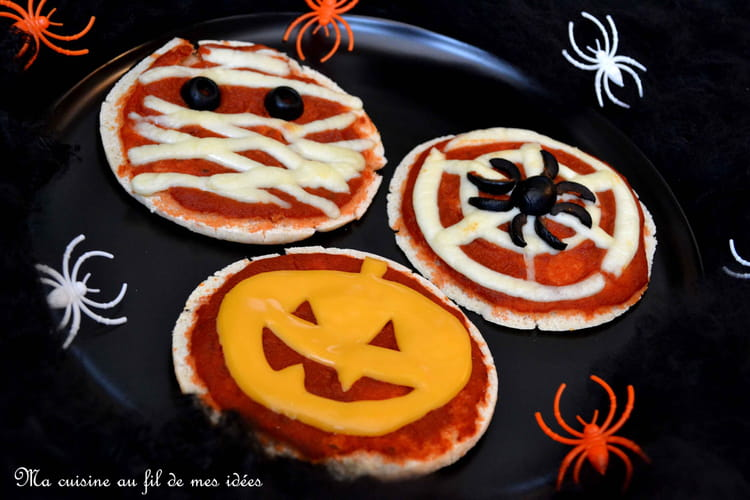 Le trio diabolique de pita-pizzas Halloween