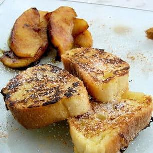 pain perdu au rhum et pommes caramélisées