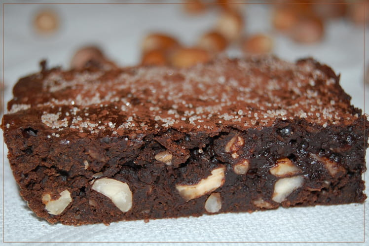 Recette De Brownie Au Chocolat Noir Et Noisettes La Recette Facile