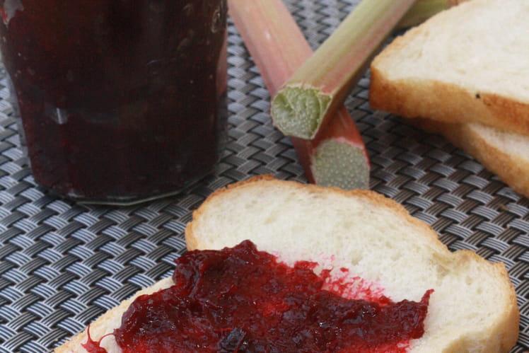 Confipote à la rhubarbe et cerises vanillée