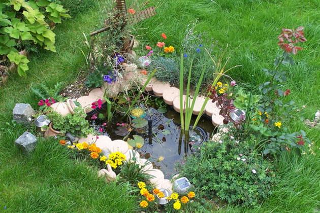 Mini bassin for Bassin de jardin plastique
