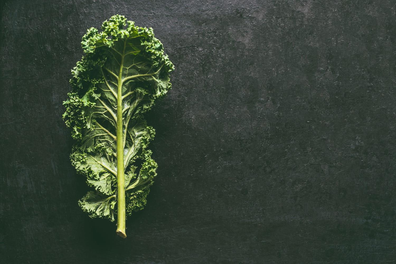 Chou kale: bienfaits santé, calories, quels dangers?