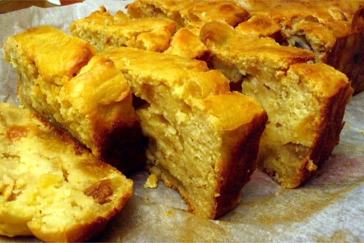 Cake d'été aux abricots, pommes et bananes