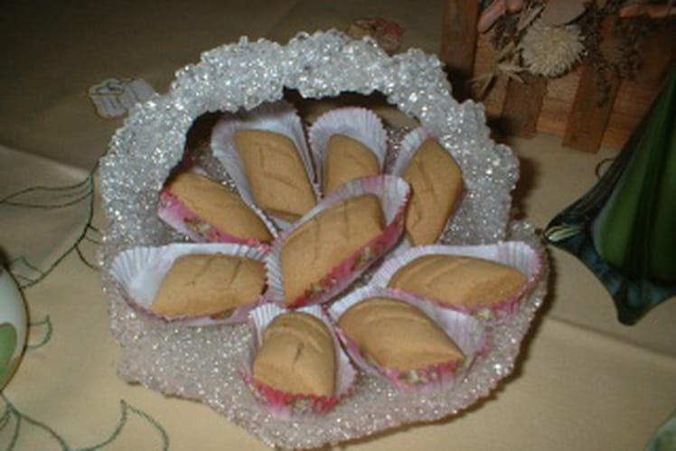 Gâteaux secs à la farine de pois chiches (Quaâb)