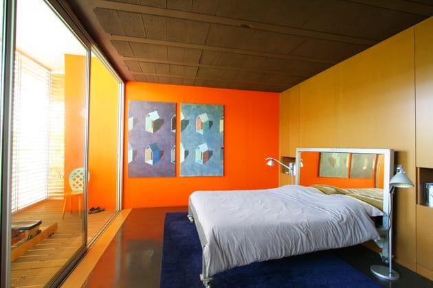 Une chambre aux couleurs fortes