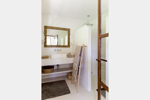 Salle de bains style maison de vacances