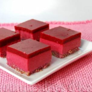 carrés au yaourt et aux framboises