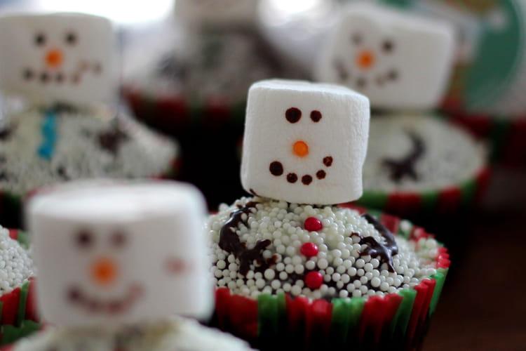 Cupcake de Noël Bonhomme de Neige en chamallow