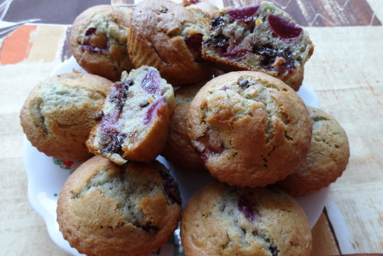 Muffins cerises-chocolat noir