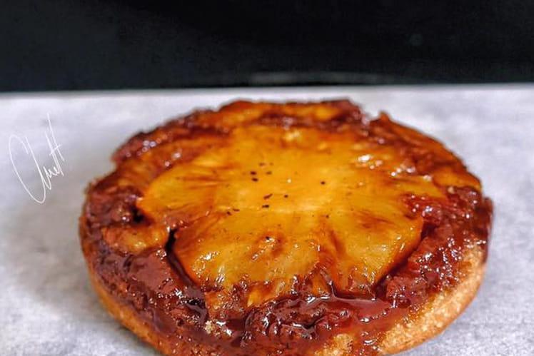 Gâteau renversé à l'ananas et aux épices