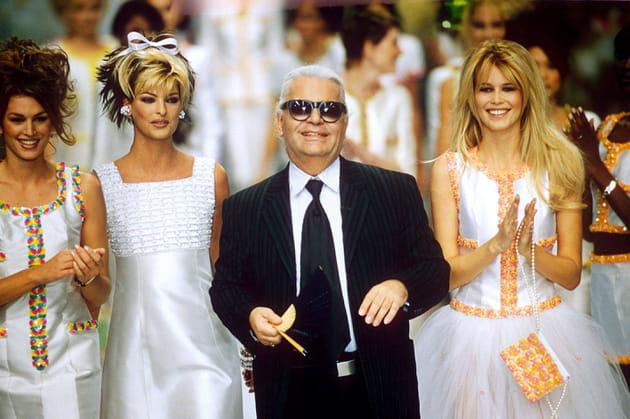 Cindy Crawford, Linda Evangelista, Claudia Schiffer et Karl Lagerfeld le 15juin 1996