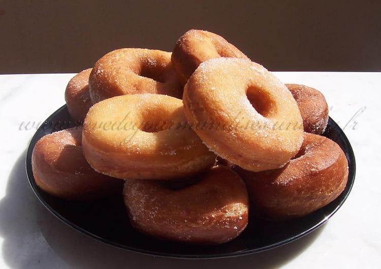 Recette de beignets doughnuts ou donuts la recette facile - Recette beignet levure de boulanger ...