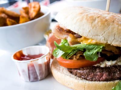 hamburger â© ilolab fotolia