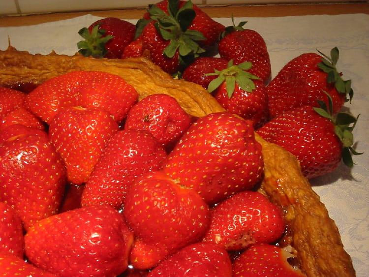 Tarte aux fraises sans cr me p tissi re la recette facile - Tarte aux poireaux sans creme ...