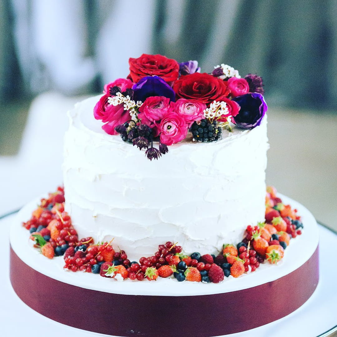 wedding-cake-fruits-rouges