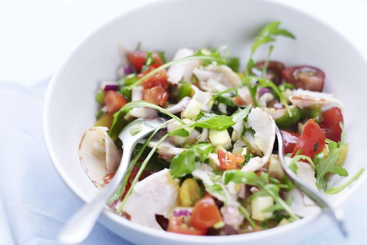 Salade & fines herbes et chiffonnades de filet de poulet rôti Aoste Apéritif