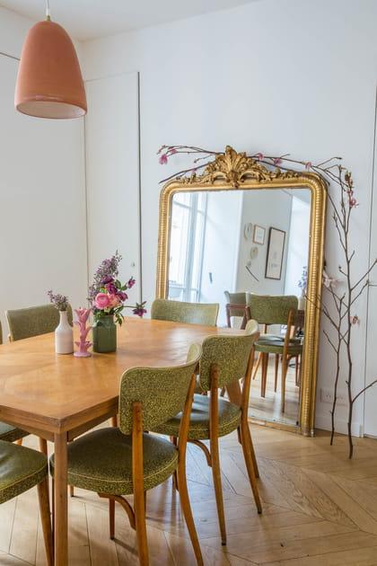 Miroir doré côté salle à manger