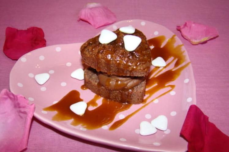 Petit coeur aux noisettes, ganache poivrée au gianduja et caramel de passion