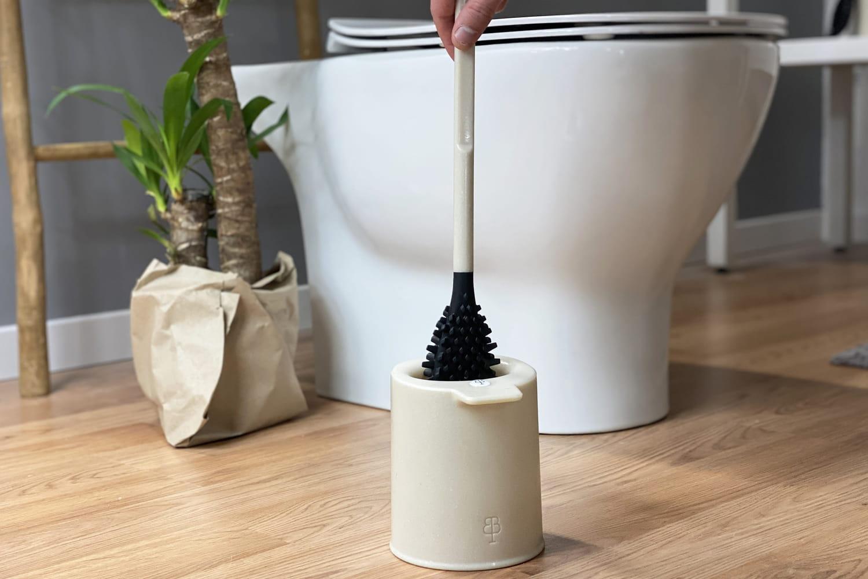 Des coquillages transformés en accessoire pour les toilettes