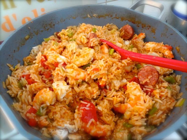 Recette de jambalaya de poulet crevettes et saucisses - Cuisiner des saucisses fumees ...