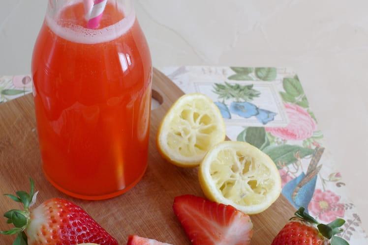 Limonade maison à la fraise