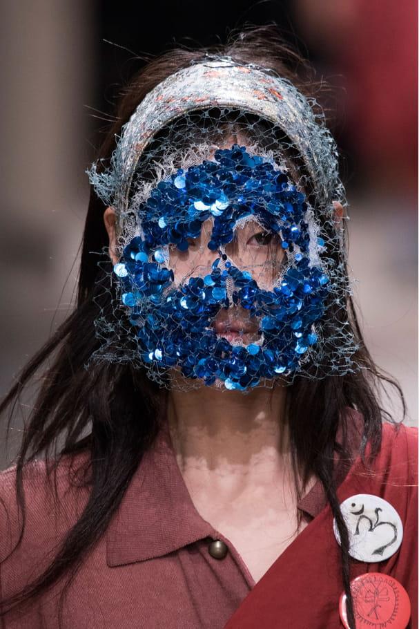 Le masque à sequins du défilé Vivienne Westwood