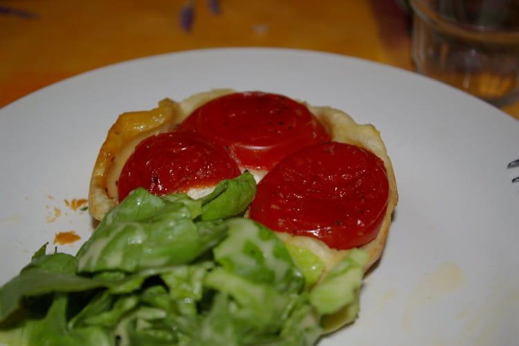 Tarte tatin chèvre-tomate