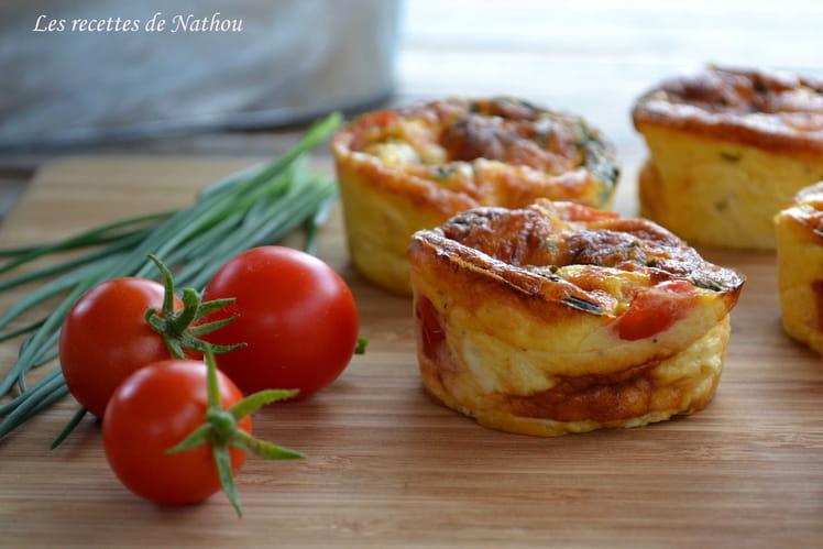 Mini-quiches au poulet, cheddar, tomates cerise et ciboulette