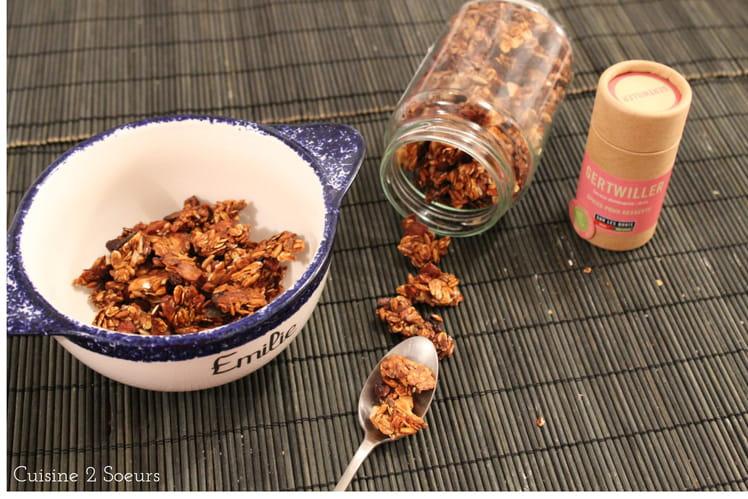 Granola au riz soufflé et aux 3 épices